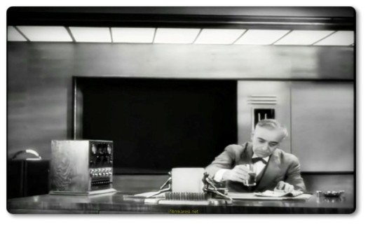 Modern Times,1936,ABD,Новые времена,Charles Chaplin,Paulette Goddard,Modern Zamanlar,Henry Bergman,A Gamin,Cafe Proprietor,Smile,Şarlo,Asri Zamanlar, The Masses,